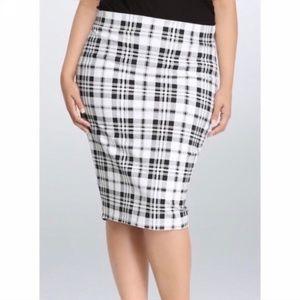 NEWish Torrid pencil skirt black and white plaid 3